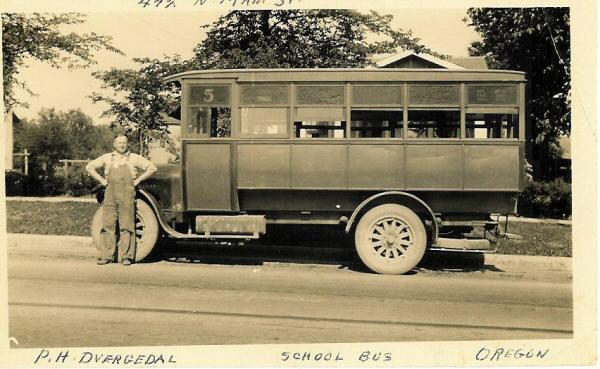 schoolbus1924