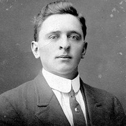 1916 August Sarbacker